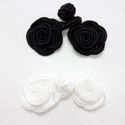 Szamerunek-zapięcie białe i czarne,2007